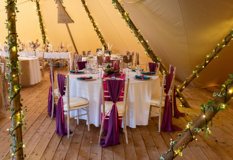 top table seating in wedding tipis
